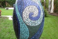 """""""Overflod"""", mosaik-krukke udført af  Marie Elisabeth A. Franck Mortensen, """"De Kreative Mellemrum"""""""
