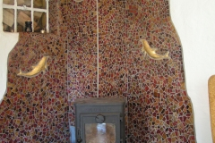"""Vægudsmykning i mosaik, udført af Marie Elisabeth A. Franck Mortensen, """"De Kreative Mellemrum"""""""